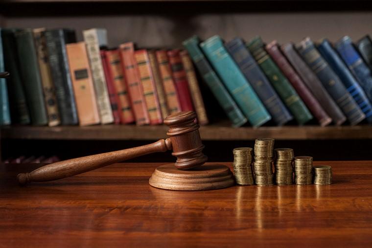 交通事故の慰謝料はどのように決まる?弁護士に相談して増額!